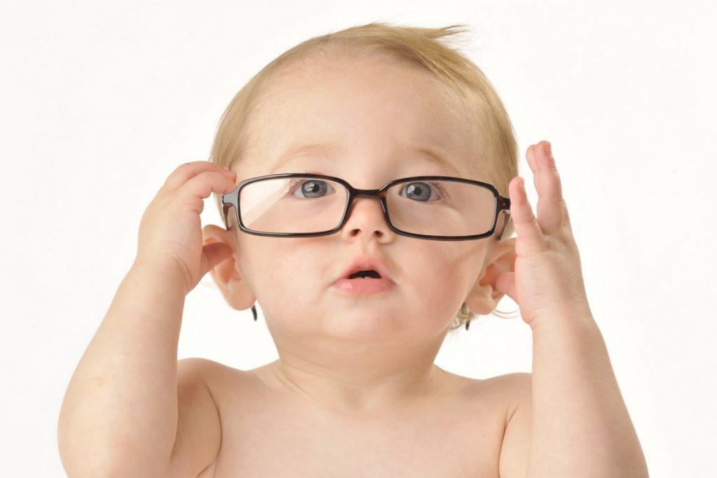 Diagnosticarea-vederii-copilului-sub-1-an-1024x683.jpg